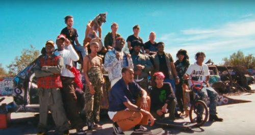 Lil Yachty se rodea de colegas para el videoclip de 'Count Me In'