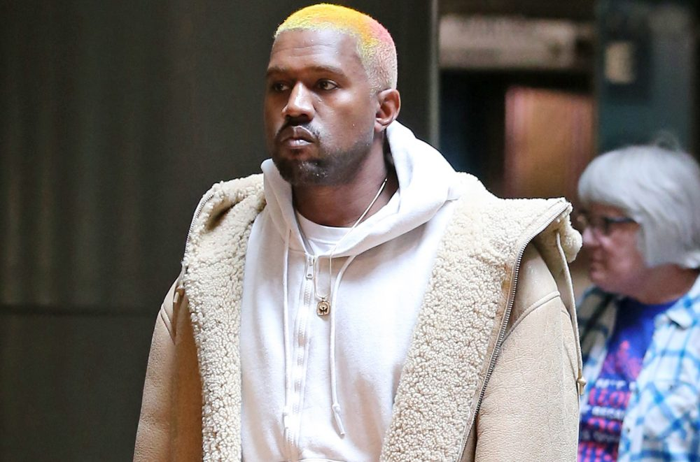 Kanye West vuelve a Twitter riéndose directamente de Nike