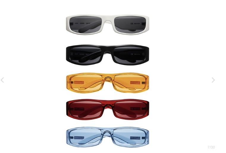 e - Así son las gafas de sol del nuevo drop de Supreme