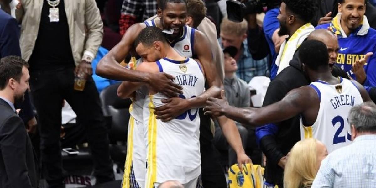 1019490340473263801 ba982edea766b04a4d52c306b63b07dd 1200x600 - Golden State Warriors vuelven a proclamarse reyes de la NBA