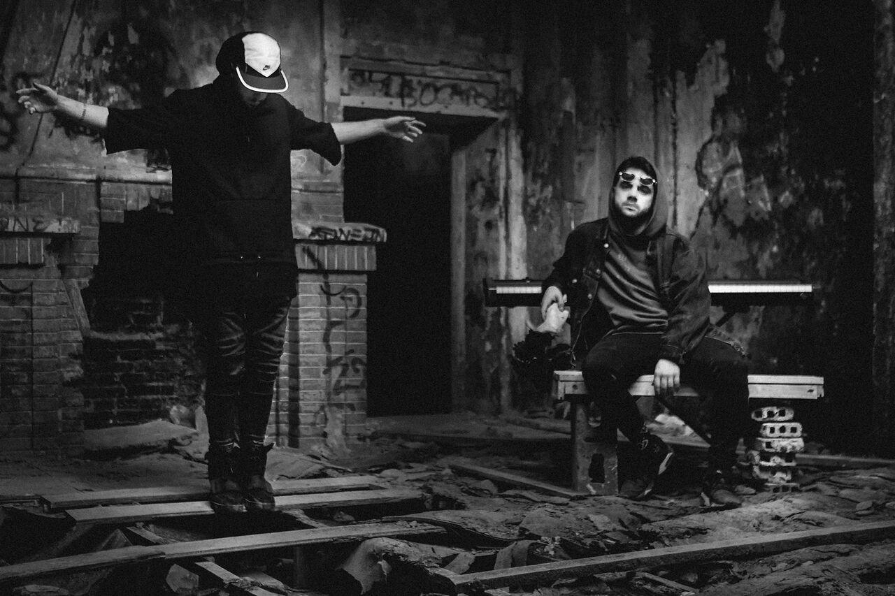 3i3XuePQ - D.L. Blando: lo oscuro, la nostalgia y la morriña hechos música