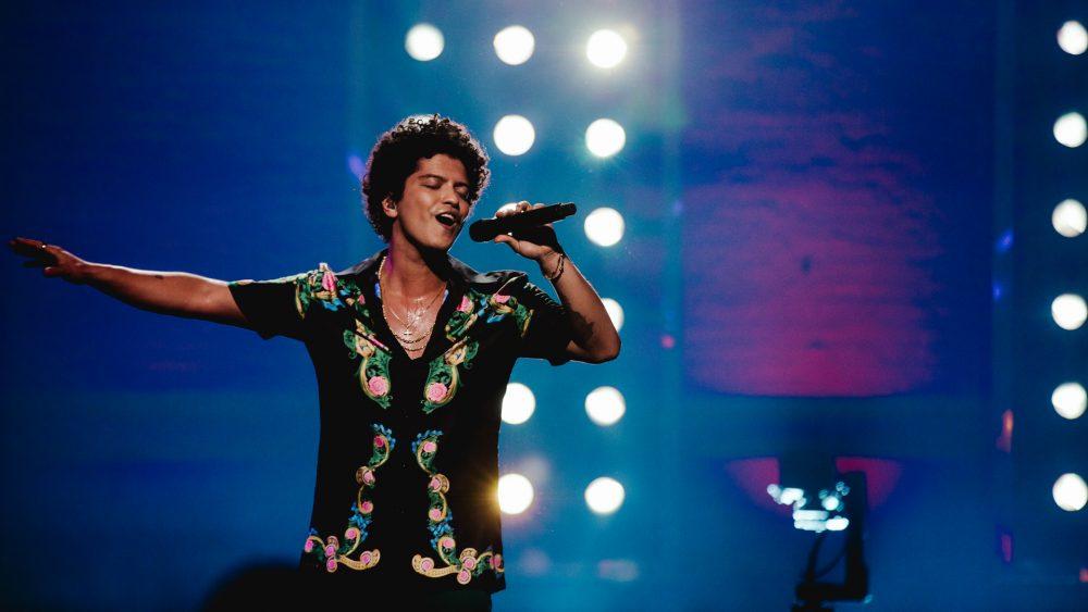 Se incendia el escenario de Bruno Mars en Glasgow