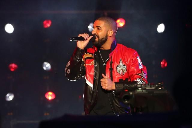Drake comienza un nuevo beef contra Kanye West en pleno concierto