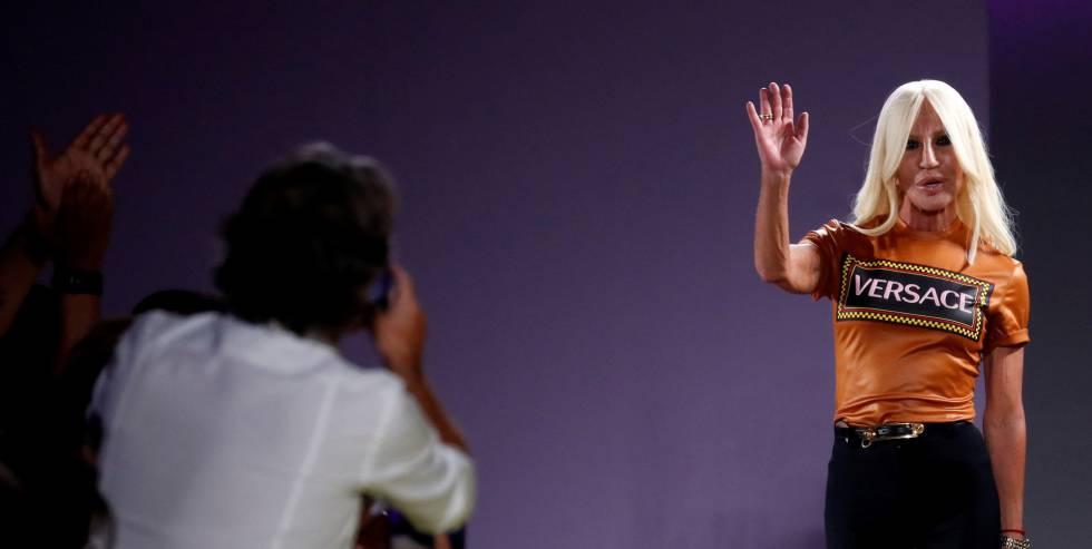 Michael Kors compra Versace por más de 1.800 millones de euros