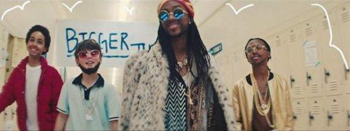 2 Chainz, Drake y Quavo vuelven al colegio en el vídeo de 'Bigger than You'