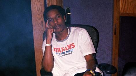 50 cent trollea a A$AP Rocky por haber resbalado en semen en la cárcel