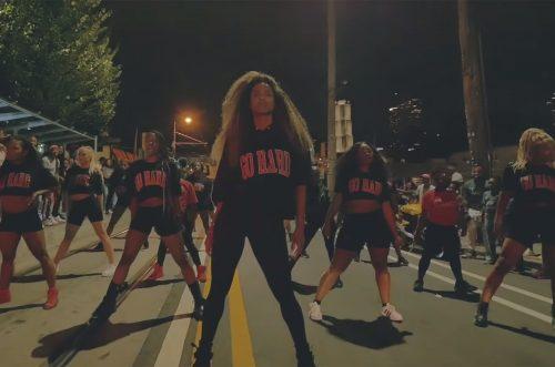 Ciara anima las calles de Atlanta en el videoclip de 'Dose'