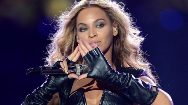Beyoncé se desvincula de Topshop por el escándalo de acoso sexual