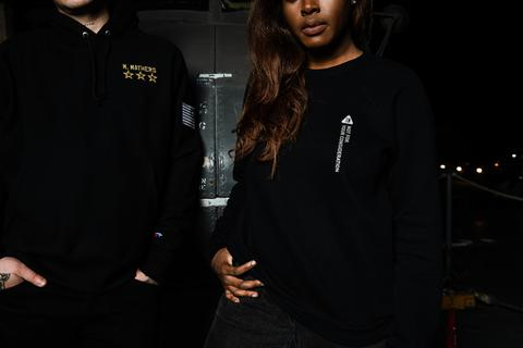 EM 0163   BlackFriday   HiRes 5 ec92e3cf 6f0f 4db5 a74b 0507c0746b81 large - Eminem anuncia que habrá nuevo merchandising de 'Kamikaze' por el Black Friday