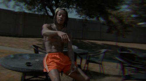 Wiz Khalifa muestra su buen estado de forma en 'Holyfield'