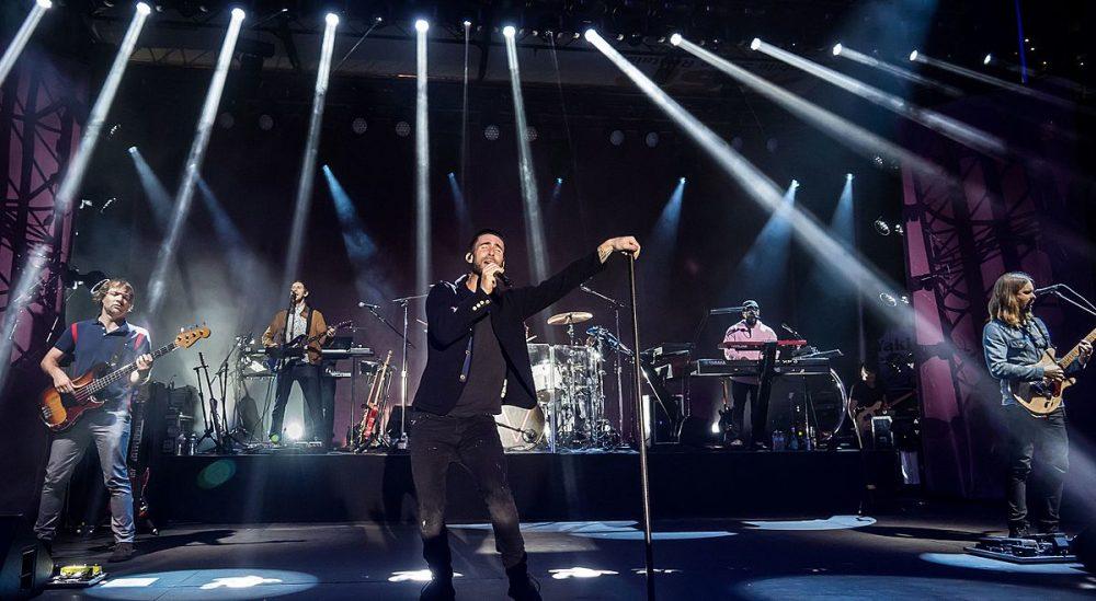 Miles de firmas piden que Maroon 5 renuncie a actuar en la Super Bowl