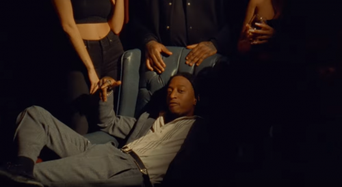 88Glam y Nav se rodean de lujo en el videoclip de «It's A Flex»