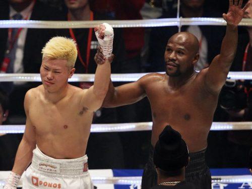 Floyd Mayweather tumba a Nasukawa en primera ronda
