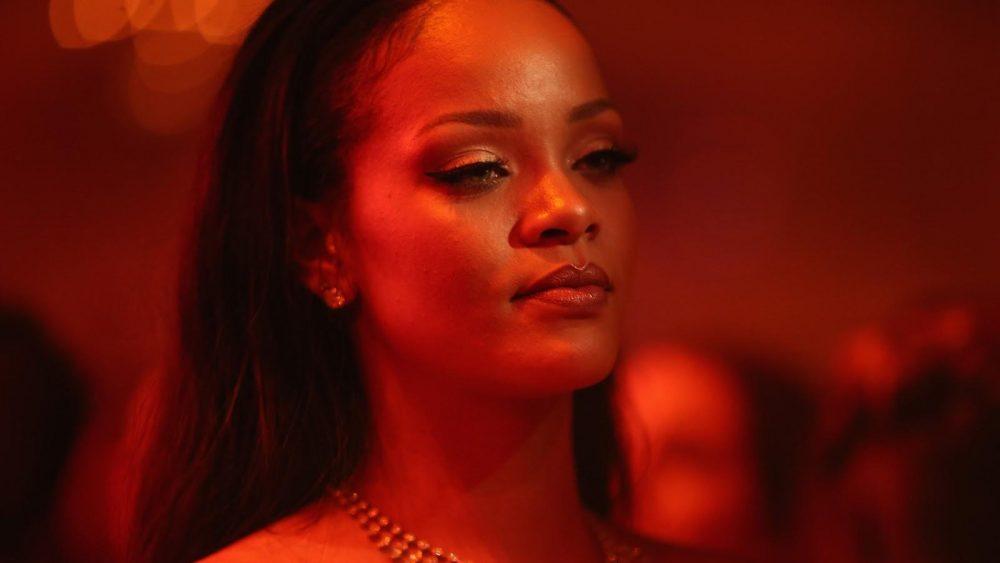 Buenas noticias: Rihanna está de vuelta en el estudio