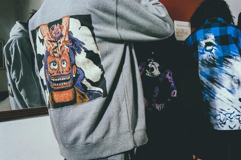 9 - The Weeknd deja que sus fans diseñen su nueva colección de ropa