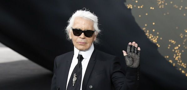 Muere Karl Lagerfeld, director creativo de Chanel, a los 85 años en París