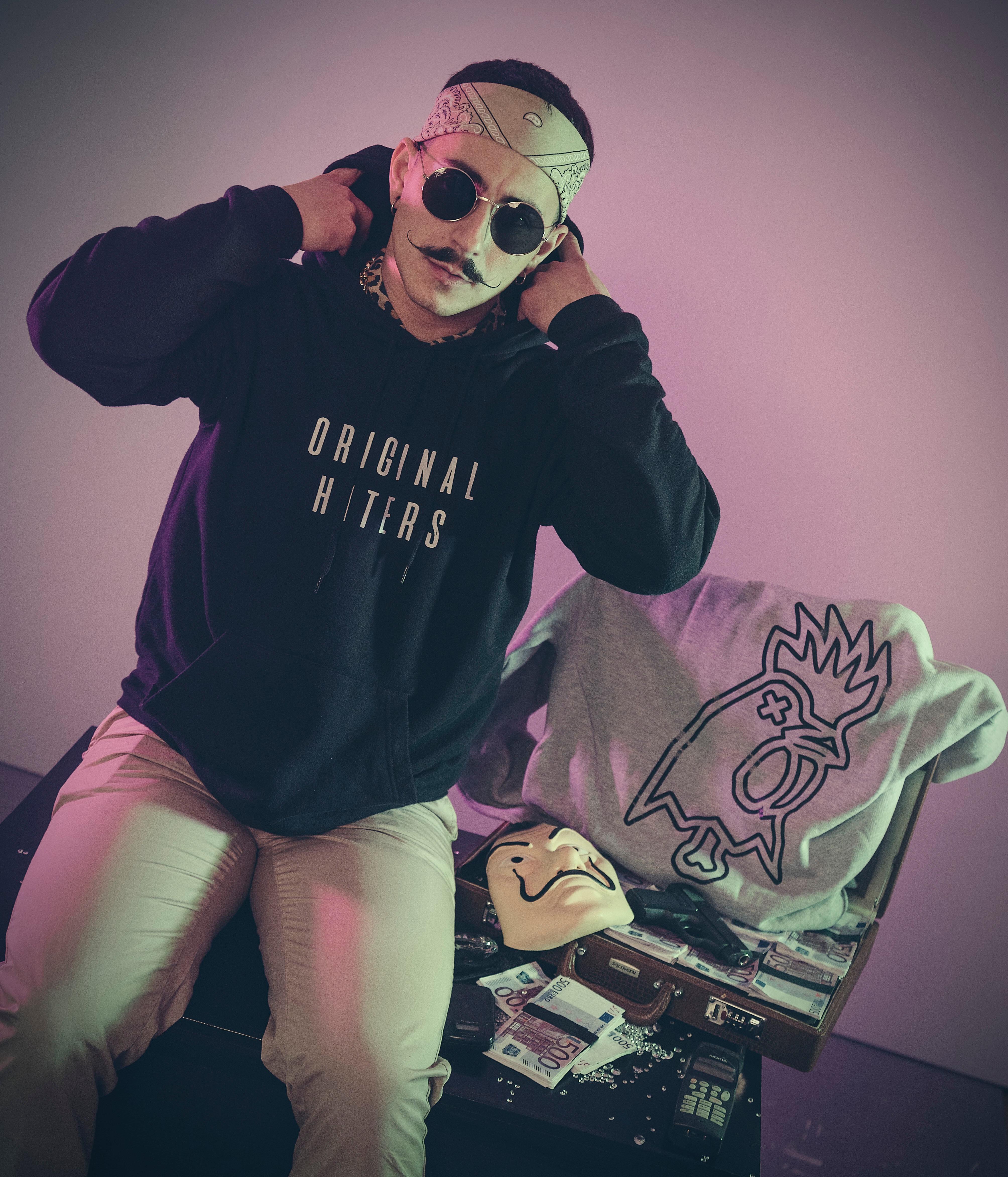 IMG 5906 - Wanna Dee lanza 'Rich' junto a su colección de sudaderas Original Haters
