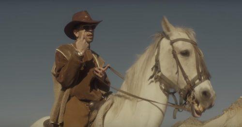 Bejo vuelve a lo cowboy con un vídeo interactivo para 'Grand Cherokee'