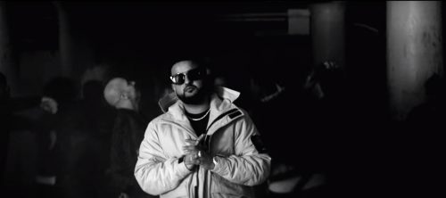 NAV y The Weeknd te cantan en blanco y negro en 'Price On My Head'