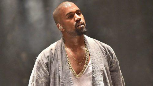 Kanye West rinde homenaje a Nipsey Hussle en su 'Sunday Service'