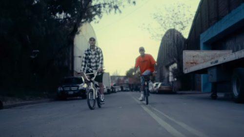 BARDERO$ recuperan el sabor de la Old School en el videoclip de 'Tengo Sed'