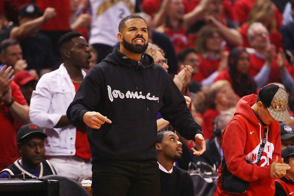 Drake emula el outfit de Tupac en el encuentro de los Toronto Raptors