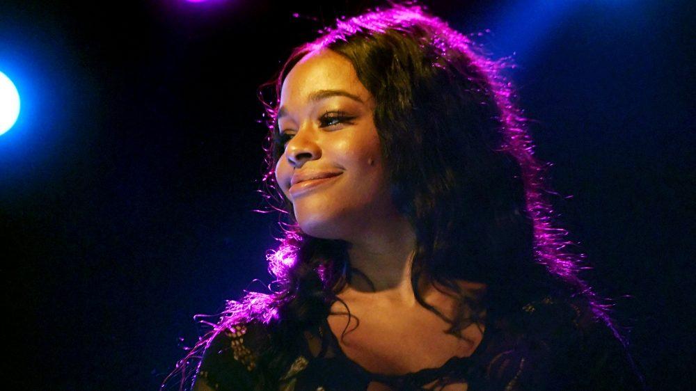 Azealia Banks amenaza con dejar la música para siempre