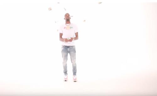 BlocBoy JB vuelve a los movimientos de baile en el clip de 'Mercedes'