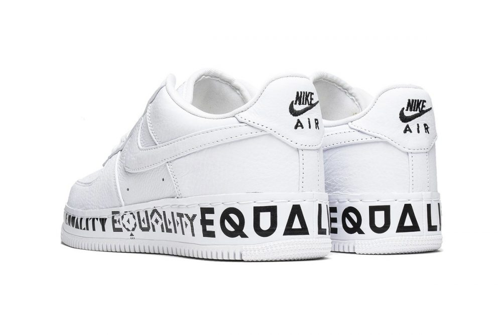 "https   hypebeast.com image 2019 06 nike air force 1 low cmft equality release aq2118 100 3 1000x667 - Nike celebra el Mes del Orgullo con las Air Force 1 Low CMFT ""Equality"""