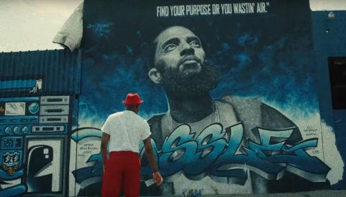 YG vuelve al estilo Frank Sinatra para el clip de 'Hard Bottoms & White Socks'