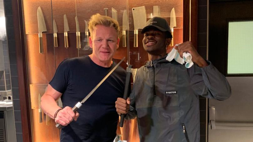Lil Nas X visita la cocina de Gordon Ramsey para crear el panini perfecto