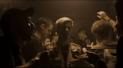 Duki se acuerda de su viaje por España en el clip de 'Goteo'
