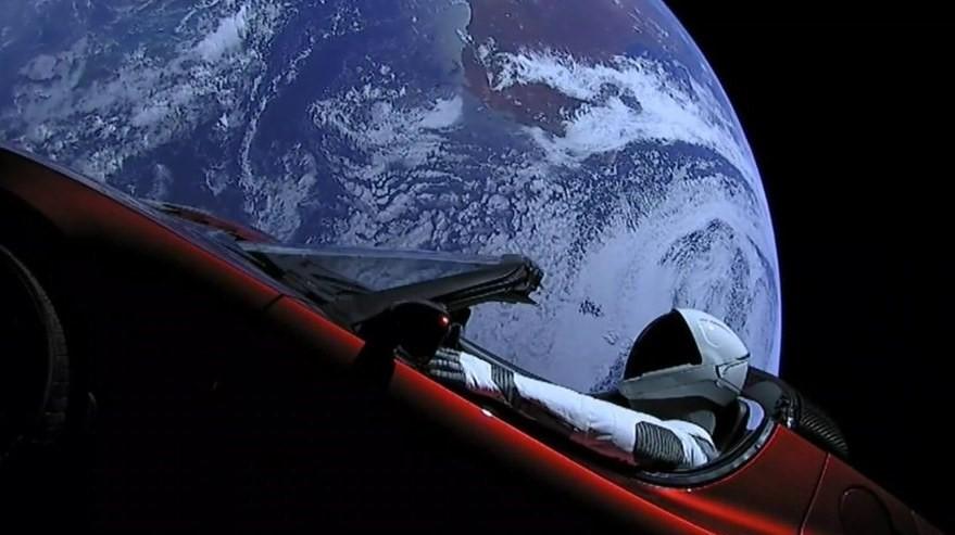 El Tesla Roadster de Elon Musk consigue dar una vuelta alrededor del Sol