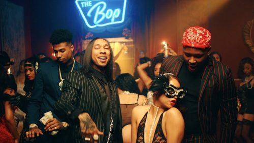 Tyga presume de pelo liso junto a YG y Blueface en el vídeo de 'Bop'