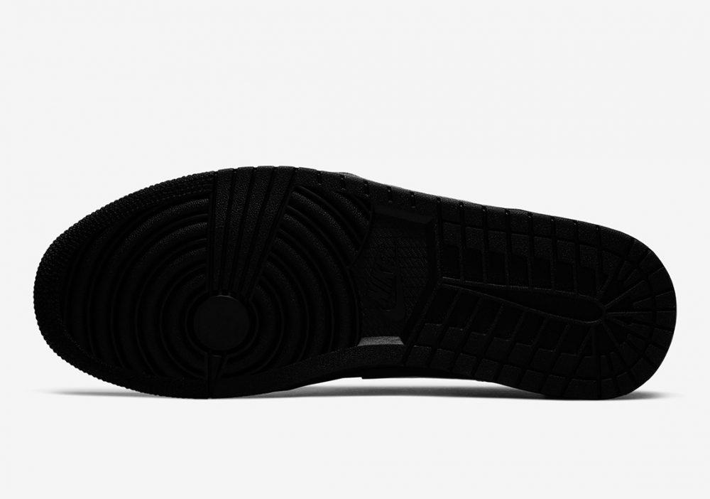 "air jordan 1 triple black 553558 056 2 1000x702 - Nike se pasa al negro con las nuevas Air Jordan 1 Low ""Triple Black"""