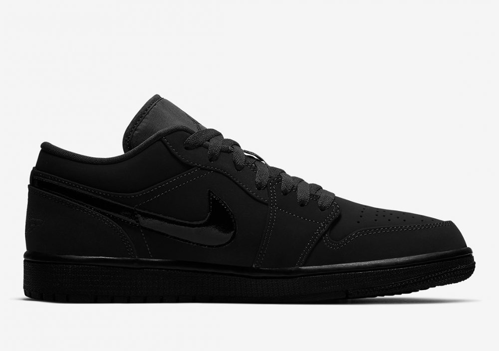 "air jordan 1 triple black 553558 056 3 1000x703 - Nike se pasa al negro con las nuevas Air Jordan 1 Low ""Triple Black"""