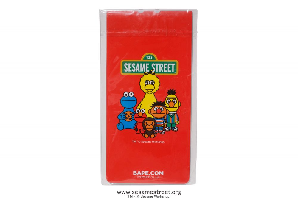 "bape sesame street collection lookbook 25 1000x667 - BAPE apuesta por ""Barrio Sésamo"" para su colección más adorable"