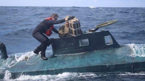 Guardacostas encuentran $165 millones en cocaína en un submarino
