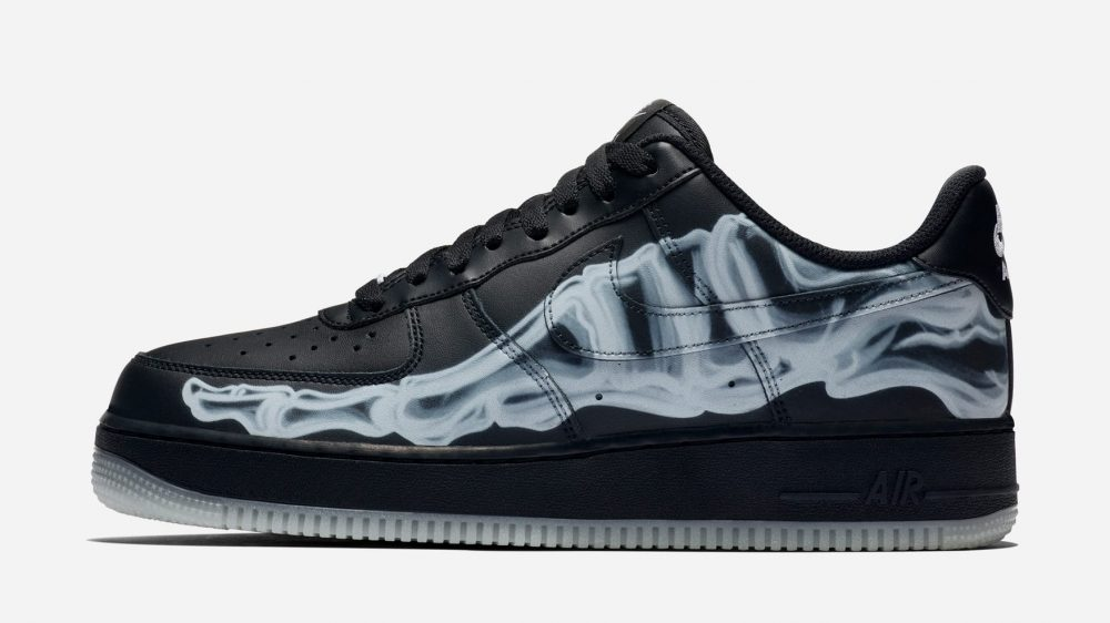 Nike adelanta Halloween con las nuevas Air Force 1 Low «Black Skeleton»