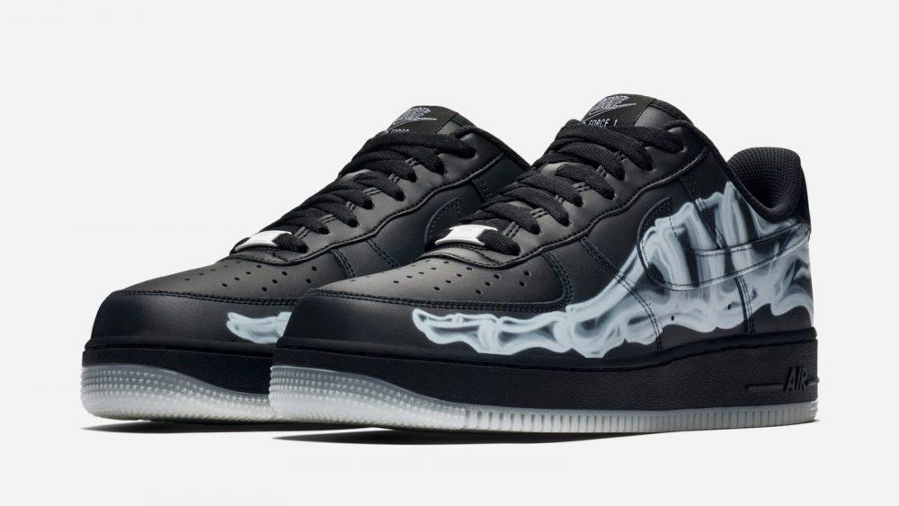 """nike air force 1 low black skeleton pair 1000x563 - Nike adelanta Halloween con las nuevas Air Force 1 Low """"Black Skeleton"""""""