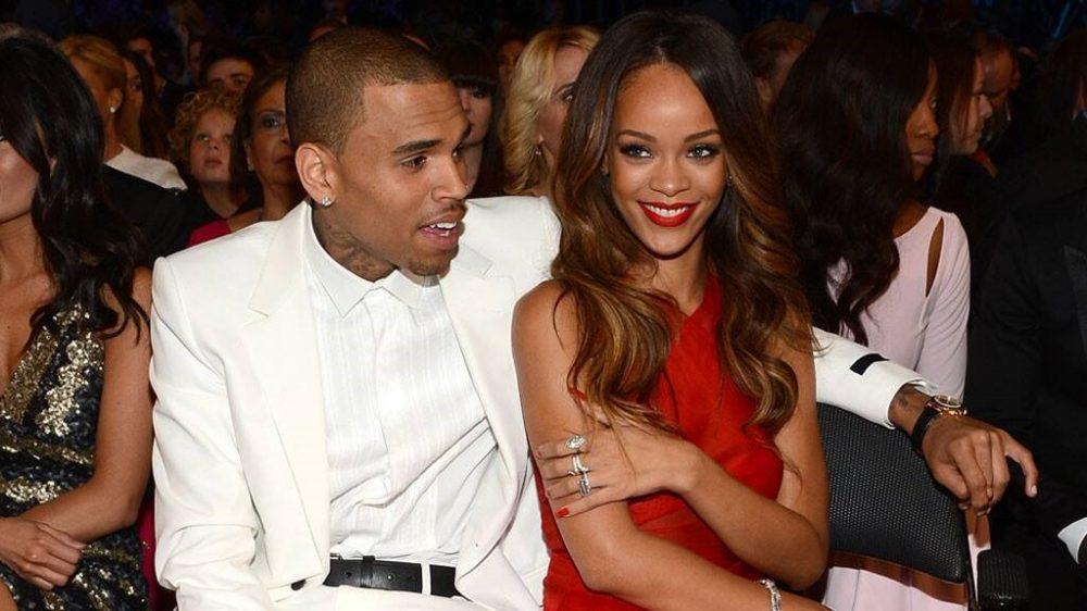 Chris Brown «photoshopea» su cara en fotos de Rihanna en lencería