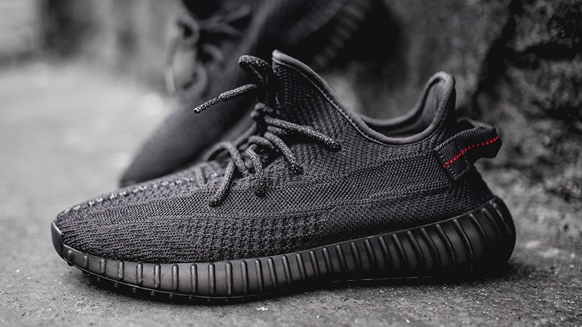 "yeezy boost 350 v2 black friday release information 3 e1568036646612 - Adidas relanzará las YEEZY BOOST 350 V2 ""Black"" en el Black Friday"