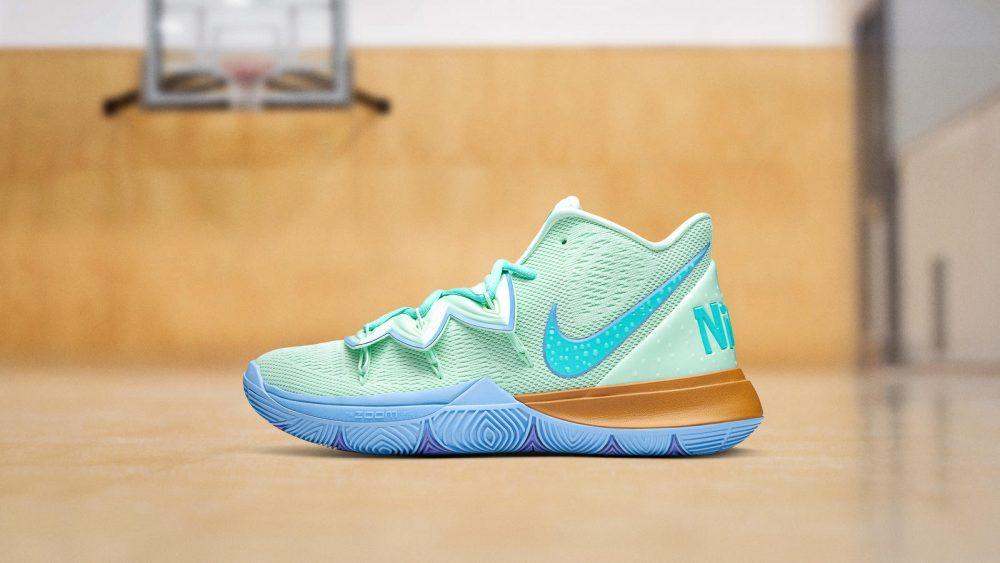 NikeNews NikeBasketball Kyrie Spongebob DSC 8072 1 hd 1600 1000x563 - La peculiar línea de Bob Esponja de Nike Kyrie vuelve a las tiendas
