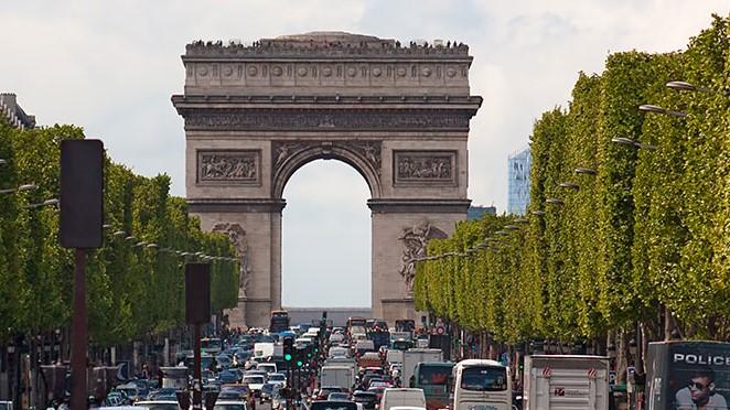 Nike se gasta más de  613 millones en su nueva macrotienda de París