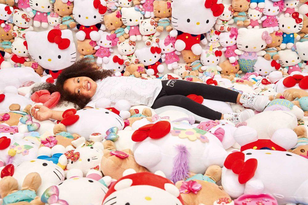 19AW xSP Hello Kitty Kids Model 0982 1000x667 - PUMA celebra el 45 aniversario de Hello Kitty con una nueva colección