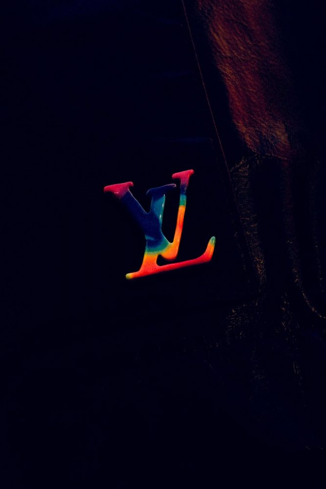 "https   hypebeast.com image 2019 11 louis vuitton 2054 collection lookbook 017 667x1000 - Virgil Abloh lleva a Louis Vuitton al futuro con la colección ""2054"""