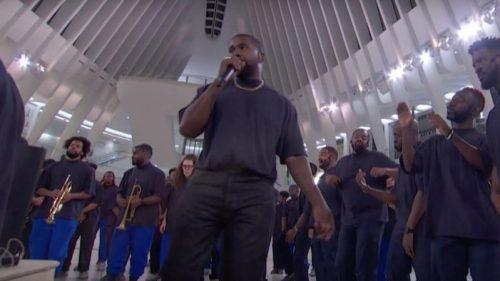 Kanye West anuncia el estreno mundial de 'Closed On Sunday'