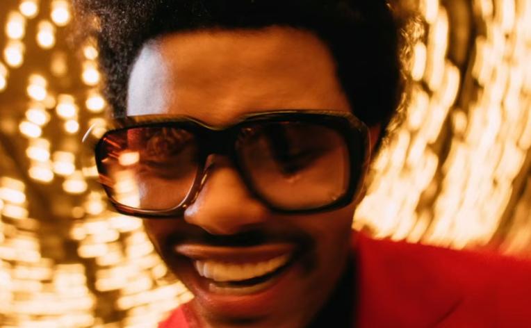 The Weeknd se deja el corazón por el camino en 'Heartless'