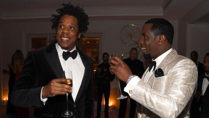 Jay-Z se hace viral por quitarle el móvil a un tío en el cumpleaños de Diddy