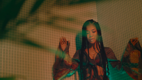 Jhené Aiko se une Future y Miguel en 'Happiness Over Everything (H.O.E.)'